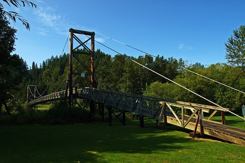 Carnation MacDonald park suspension bridge