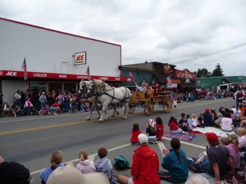 Parade July 4th Horse and cart